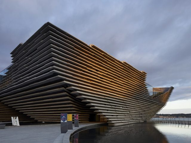 Muzeum V&A Dundee se otevírá veřejnosti